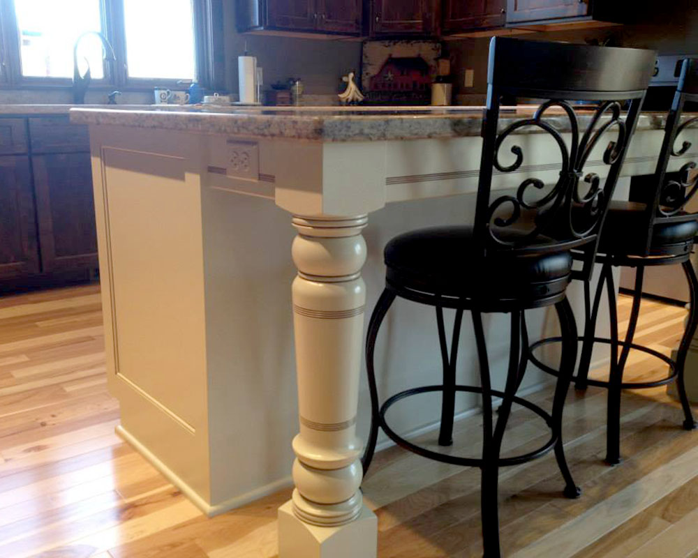 custom_cabinetry_kitchen_island